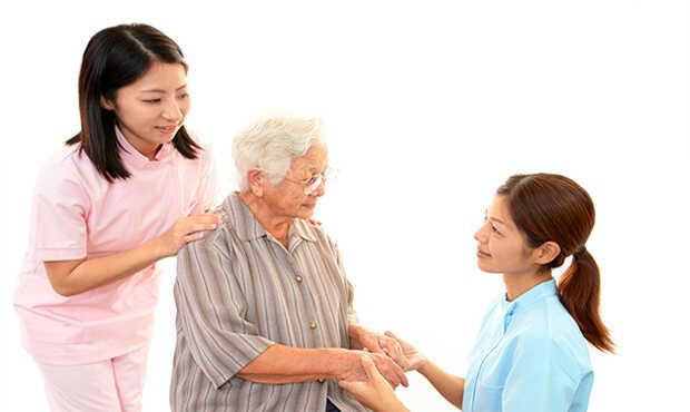 Read more about the article ประกันสุขภาพผู้สูงอายุ ควรเลือกแบบไหนดี